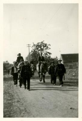 Vredesstoet Oostmoer Waarschoot, 1944