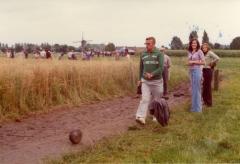 Aanleg buitenkrulbolbanen in het veld
