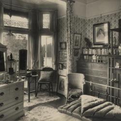 Een slaapkamer van Villa Pinehurst in Eeklo, jaren 1920