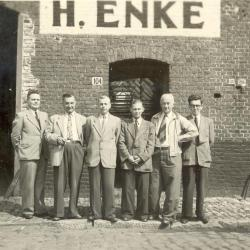 Bedienden van haarsnijderij Enke, ca. 1948