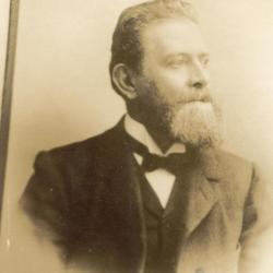 Portret van Hermann Enke, omstreeks 1900.