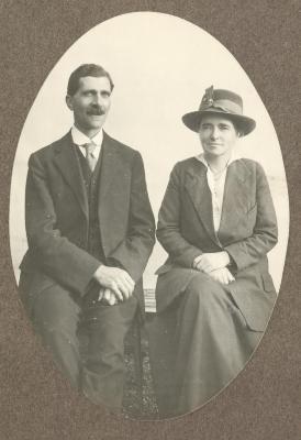 Portret Hermann Peter Enke en zijn vrouw Alice, ca. 1935
