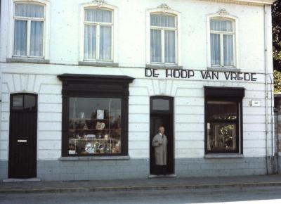 Café 'Hoop op Vrede', Waarschoot, jaren 1960