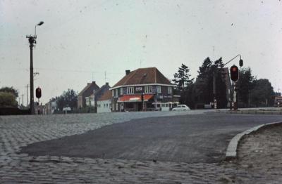 Zicht op kruispunt Kere - Guido Gezellelaan, Waarschoot, jaren 1960