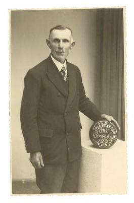 Jubilaris krulbol, 1939-1989, Doornzele
