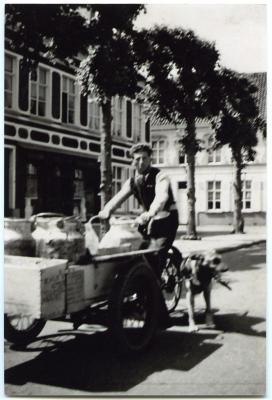 Herman De Wilde met melkkar