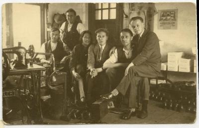 Schoenmakers Cooreman, ca. vroege jaren 1930, Knesselare