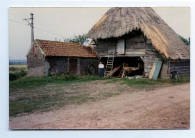 Schuur met rieten dak uit 1752, Assenede