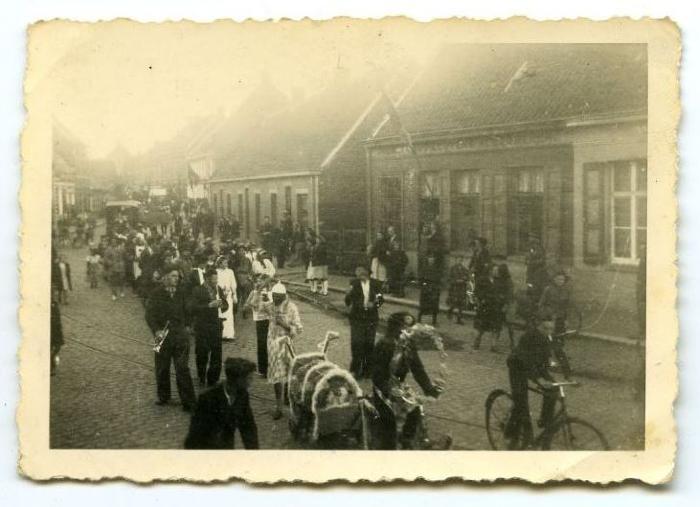 Bevrijdingsstoet Aalter, 1945 (2)