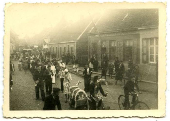 Bevrijdingsstoet Aalter, 1945 (3)