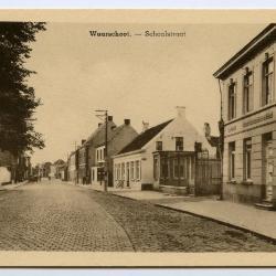 Postkaart dorpszicht Schoolstraat, Waarschoot