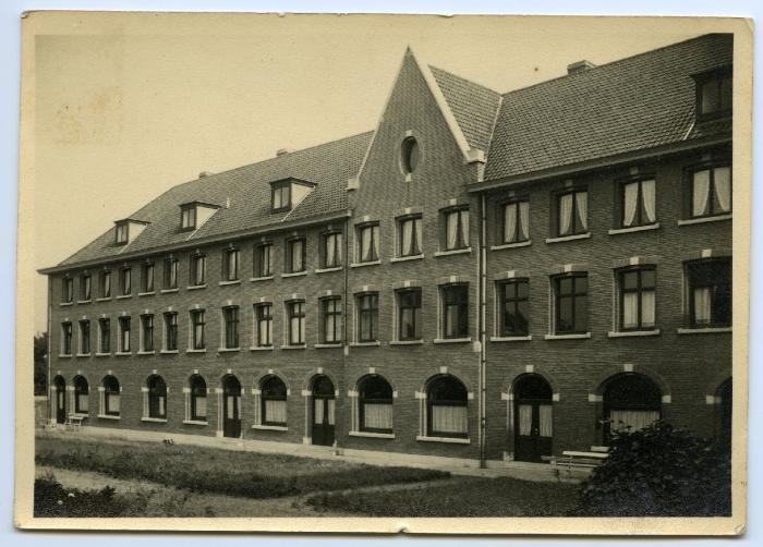 Postkaart Kloostergebouw, Waarschoot