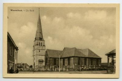 Postkaart dorpszicht Kerk, Waarschoot