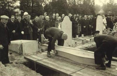Begrafenis slachtoffers, Eeklo