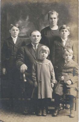Gezinsfoto familie Taghon, Aalter, 1915-1930
