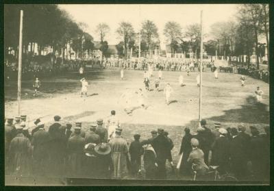 Voetbalmatch op het Plein, Kaprijke, 1914-1918