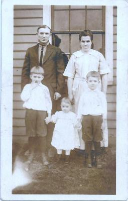 Gezinsportret familie Taghon, Aalter, 1911-1930