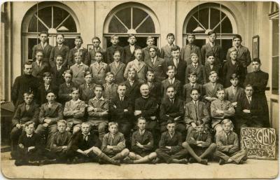 Jongensgroep op retraite, Waarschoot, 1930