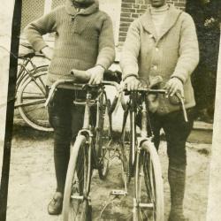 Raymond De Corte (1898-1972) en André Verbiest (1899-1962) in 1928.