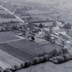Luchtfoto Beke in 1966