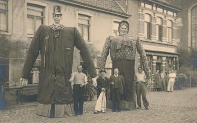 Reuzen Dokus en Isabella in 1949